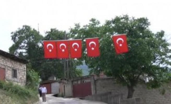 Makedonya'da Türkçe Mealli Kuran-I Kerim Dağıtımı Başladı