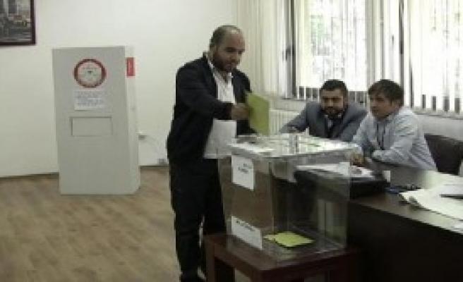 Makedonya'da Türk Seçmenler Sandık Başında