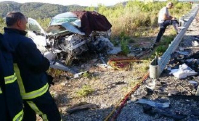 Manavgat'ta Kaza: 2 Ölü, 6 Yaralı