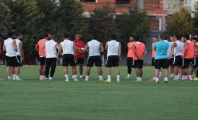 Manisaspor'da Futbolculara Uyarı