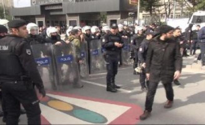 Marmara Üniversitesi'ndeki Gerginliği Polis Önledi