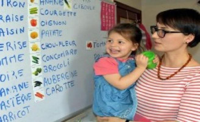 4 yaşında, 6 dil konuşuyor!