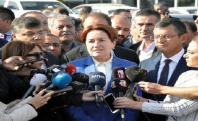 Meral Akşener, Baykal'ı Ziyaret Etti