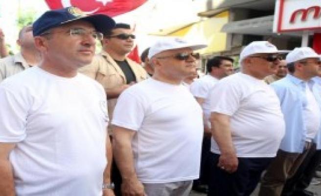 Mersin'de Coşkulu 19 Mayıs Kutlamaları