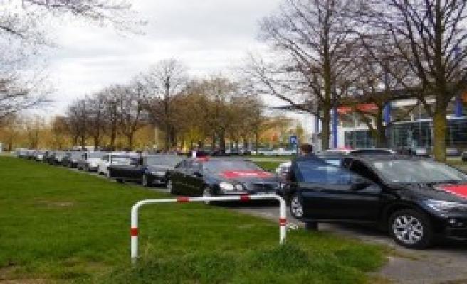 Oğan'a Almanya'da Konvoylu Karşılama