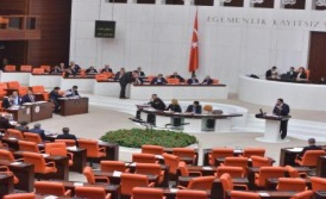 Genel Kurul'da '17 Aralık' Protestosu