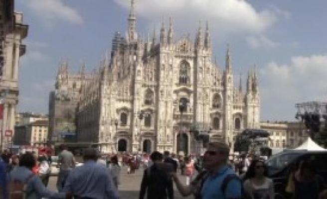 Milano Sandık Başında