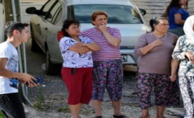 Milas'ta Kamyonet Takla Attı