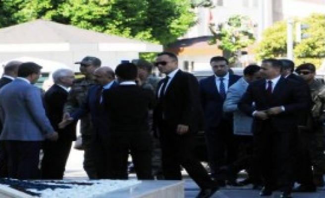 Milli Savunma Bakanı Işık, Gaziantep'te