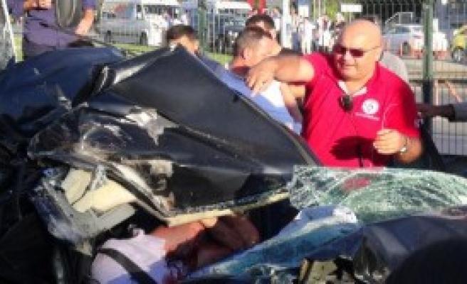 Kocaeli'nde Kaza: 2 Ağır Yaralı