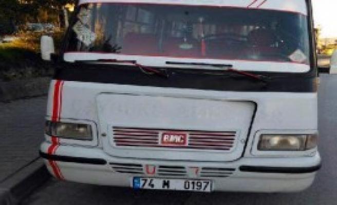 Minibüsün Çarptığı Yaşlı Adam Öldü