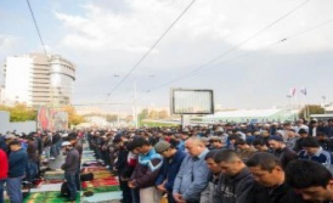 Moskovalı Müslümanlara Yetmedi