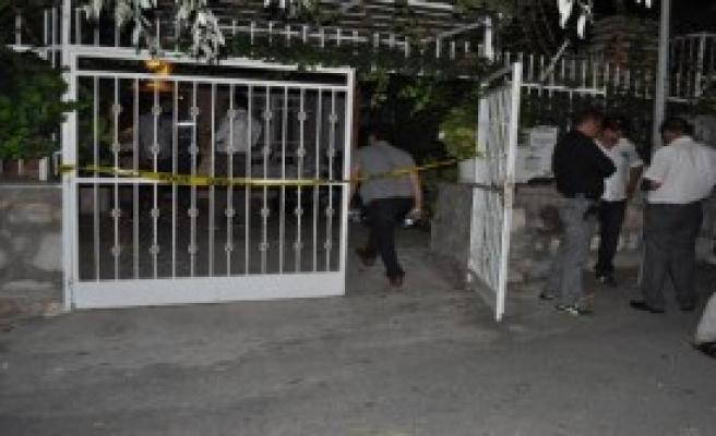 Mühendis Evinde Bıçaklanarak Öldürüldü