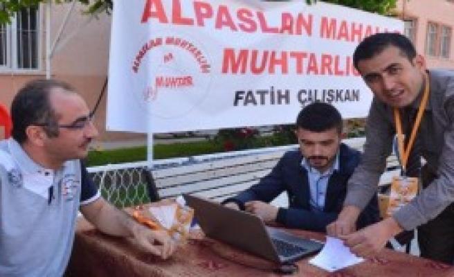 Muhtardan 'seçim Kurulu' Hizmeti
