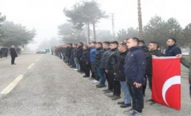 Gidecek Askerlere Uğurlama Töreni