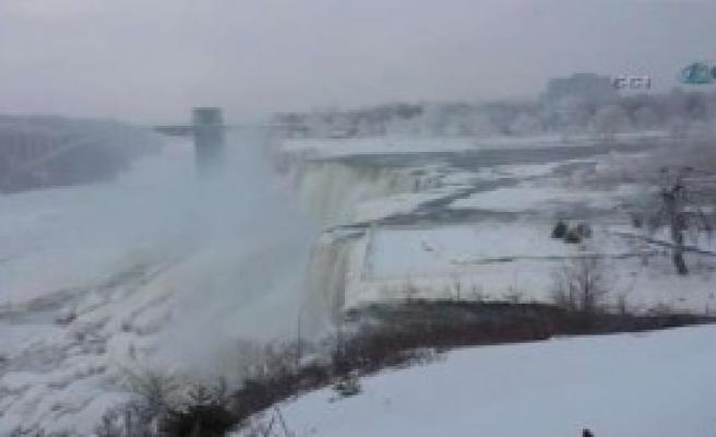 Niagara Şelalesi Bile Dondu