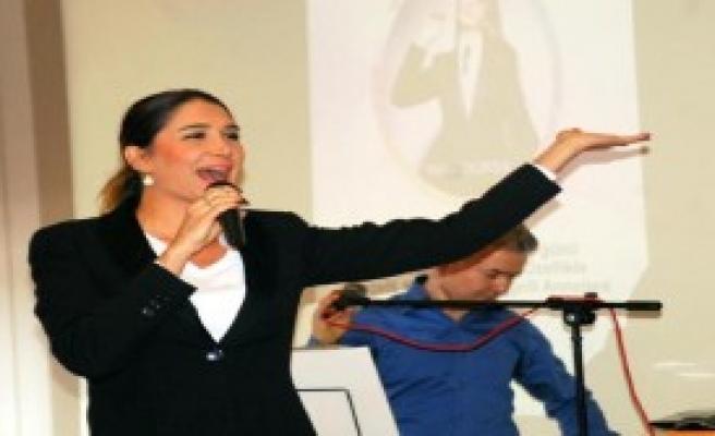 Nilay Dorsa Engelli Anneleri İçin Konser Verdi