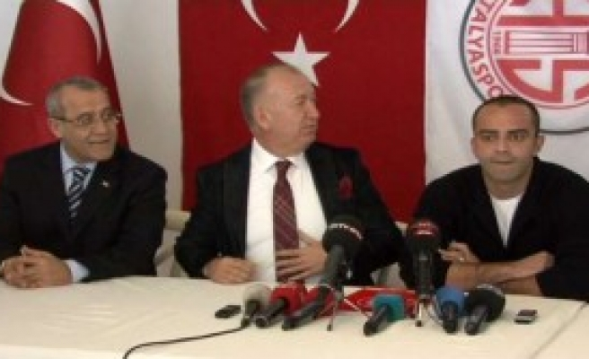 Nöbetçi Golcü Resmen Antalyaspor'da