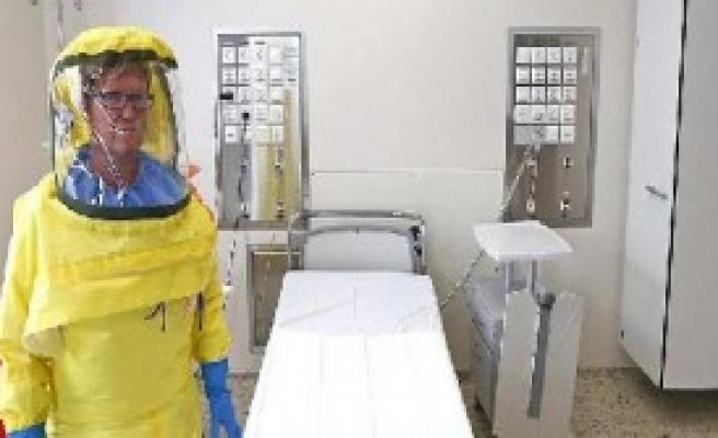 O Doktor Ebola'ya Yakalandı