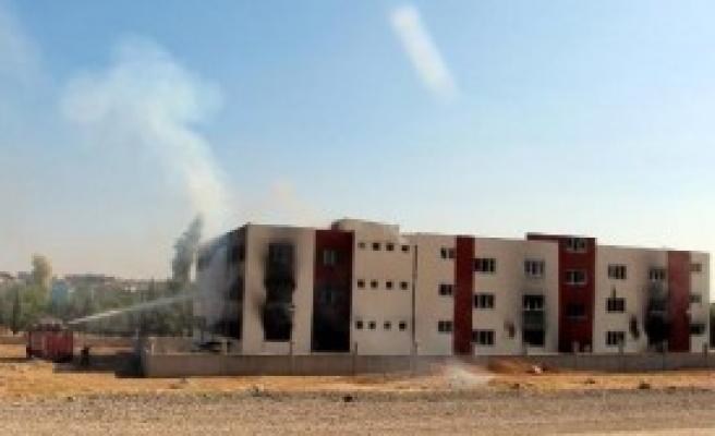 Öğrenci Yurdu İkinci Kez Yakıldı