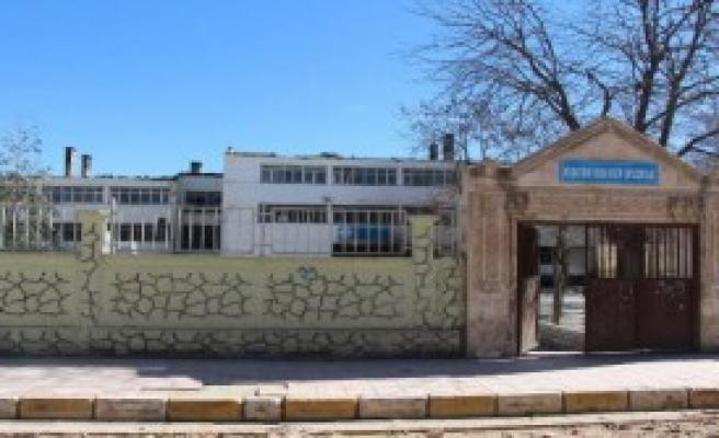 Nusaybin'de PKK'lılar 2 Okul Daha Yaktı