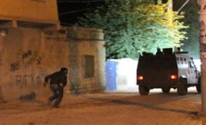 Yol Kapatanlara Polis Müdahalesi