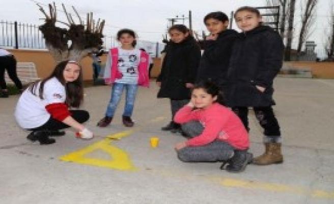 Okulu Gönüllü Eller Yeniledi