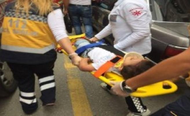 Pencereden Düşen Çocuk Ağır Yaralandı
