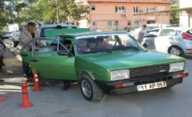Otomobilde Uyuşturucu İle Yakalandı