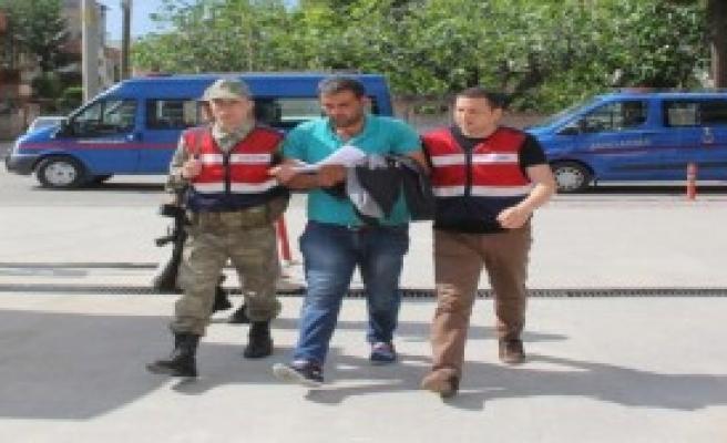 Otomobilidekileri Döven 5 Kişi Tutuklandı