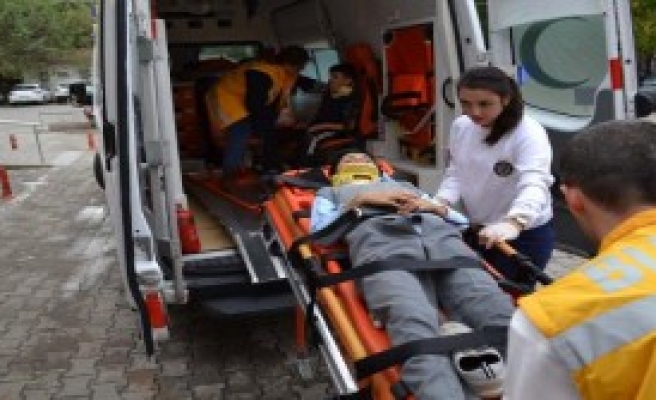 Bisiklette 2 Kardeş Yaralandı
