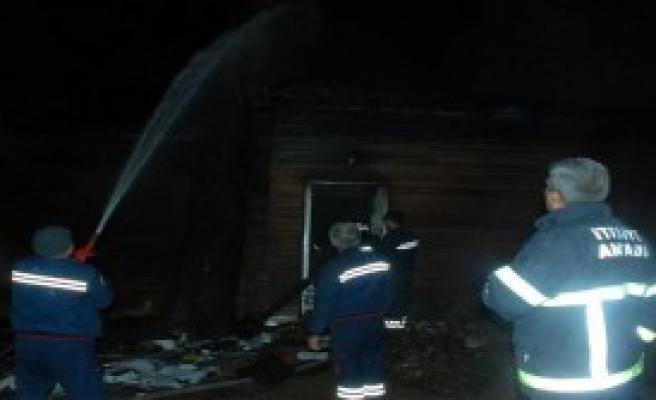 Yangın 1 Saatte Söndürüldü