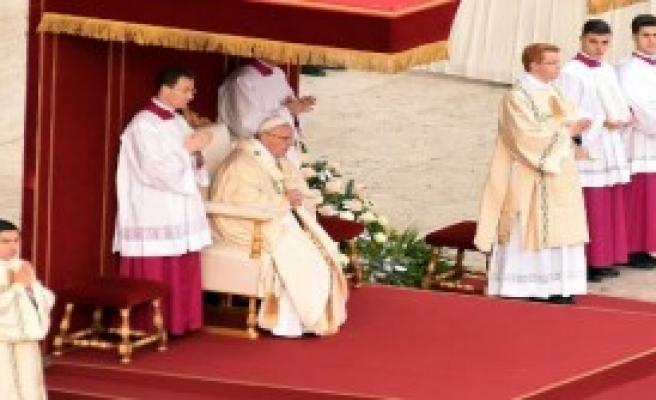 Papa, Kutsal Yılın Açılışını Yaptı