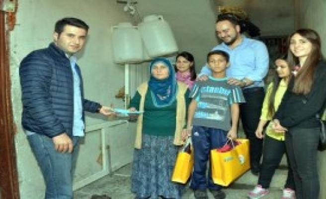 Parası Gasp Edilen Sütçü Çocuğa Yardım