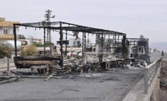 PKK, Silopi'de 5 TIR'ı Yaktı