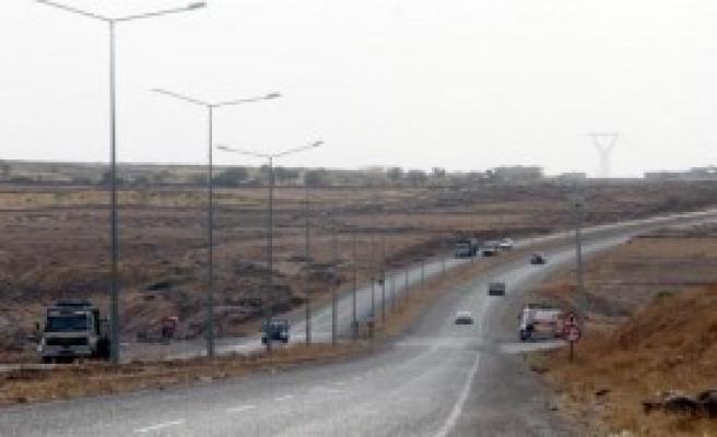 PKK'lılar 3 TIR Yaktı