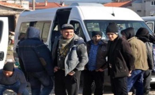 Ayvacık'ta 71 Kaçak Yakalandı