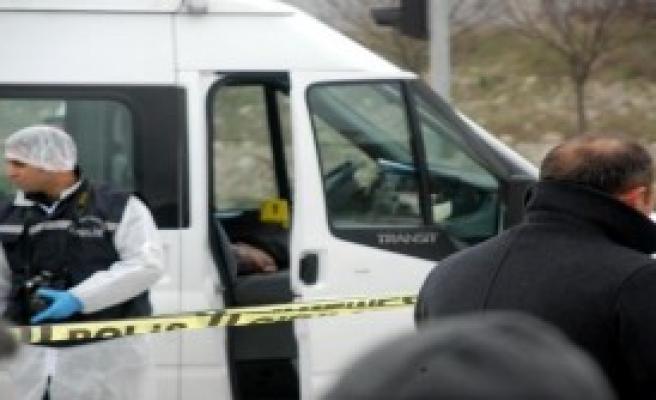 Polis Memuru, Direksiyon Başında İntihar Etti