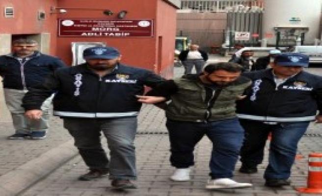 Polis Olduğunu İddia Etti Ve Dolandırdı