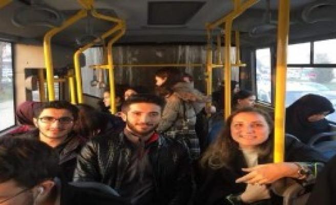 Sıkıntılarını Anlamak İçin Otobüse Bindi