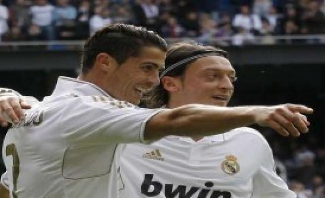 Ronaldo'ya Eski Dost Tebriği