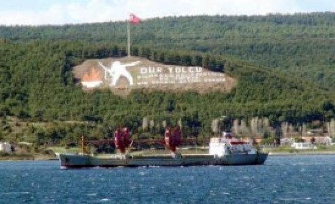 Rus Askeri Kargo Gemisi Akdeniz'e İniyor