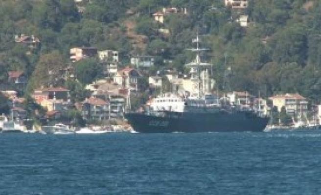 Rus Savaş Gemileri Boğazı'ndan Geçti