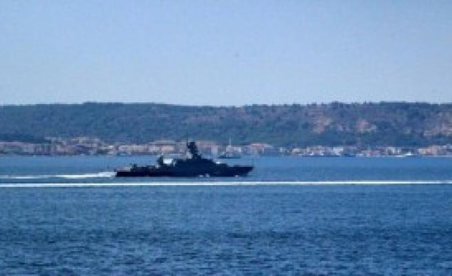 Rus Savaş Gemisi Marmara'ya Yol Aldı