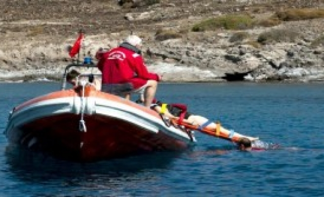 Sağlıkçılara Denizde Acil Müdahale Eğitimi
