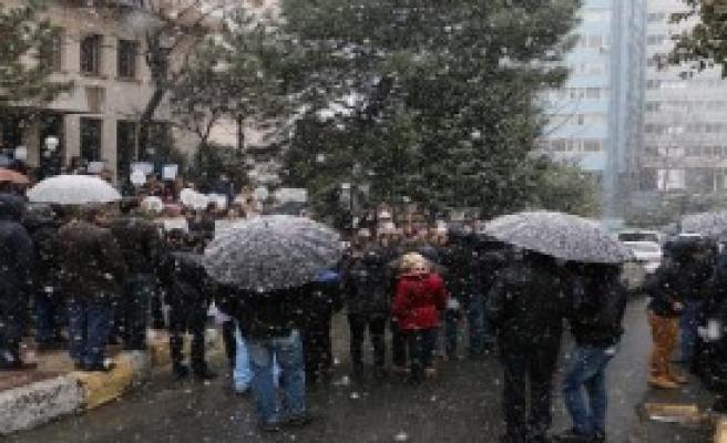 Kar Altında Özgecan Eylemi