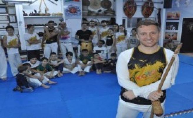Capoeira Öğretiyorlar!