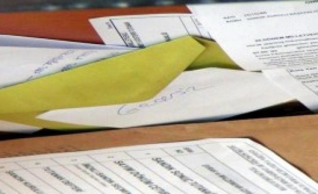 Sandık Başkanına Kızdı, Oy Pusulasını Yırttı