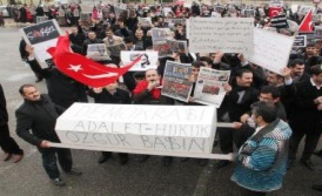 Şanlıurfa'da '14 Aralık' Protestosu
