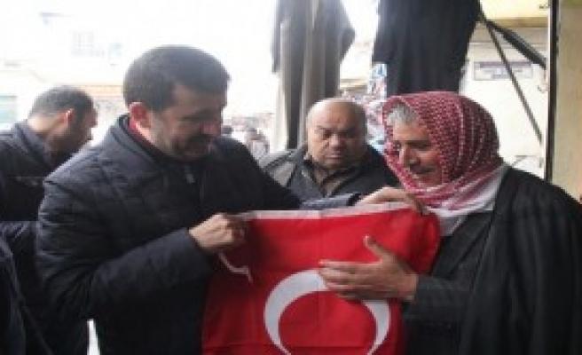 Esnafa 10 Bin Türk Bayrağı Dağıtıldı